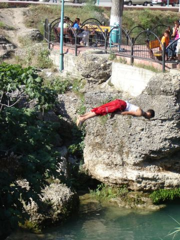 http://taheny.com/2005_06_05_Diver_Tarsus_Waterfall.jpg